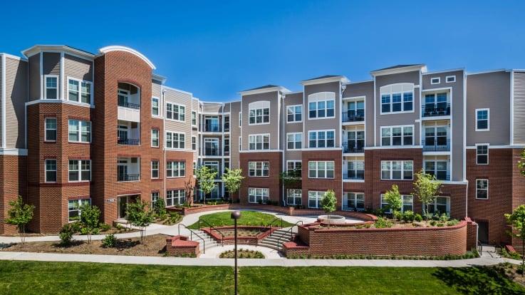 Radiant Fairfax Ridge Apartments - Exterior