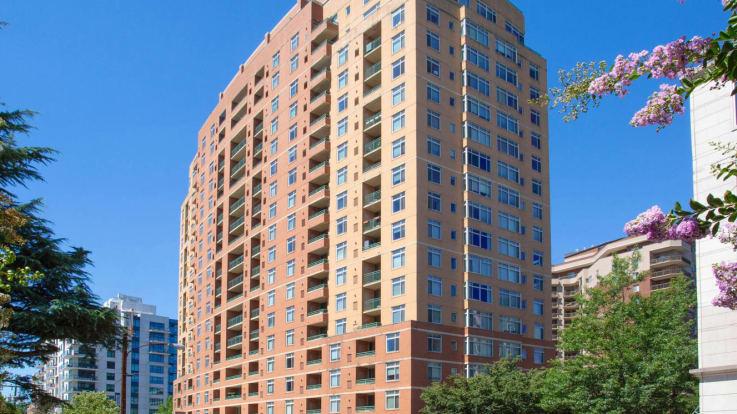 Virginia Square Apartments - Building Exterior