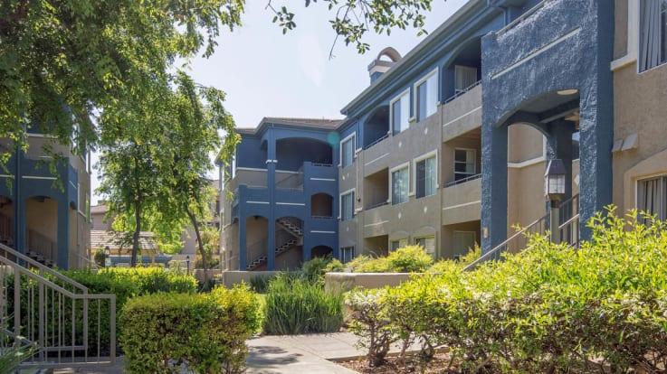 Alborada Apartments - Exterior