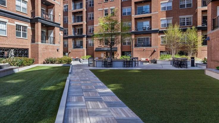 The Rivington Apartments - Courtyard