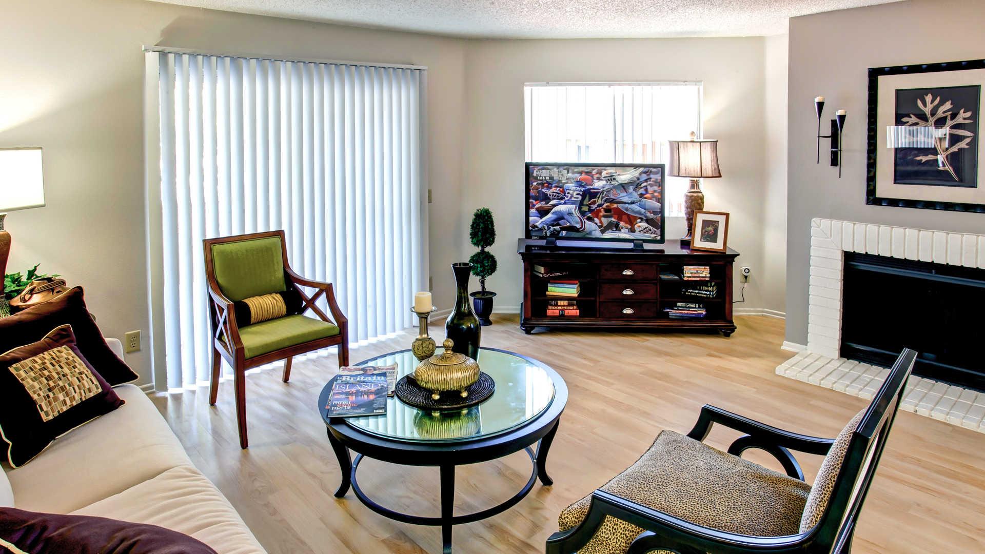 Villa Solana Apartments reviews in Laguna Hills Moulton Pkwy