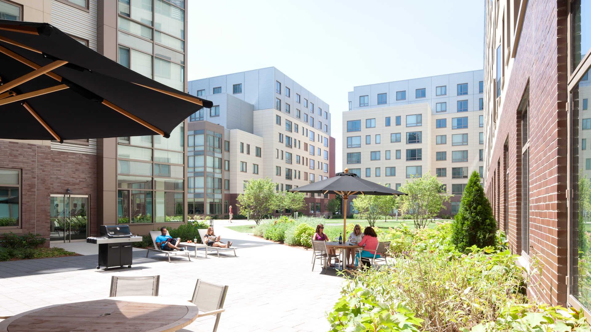 Third square apartments courtyard