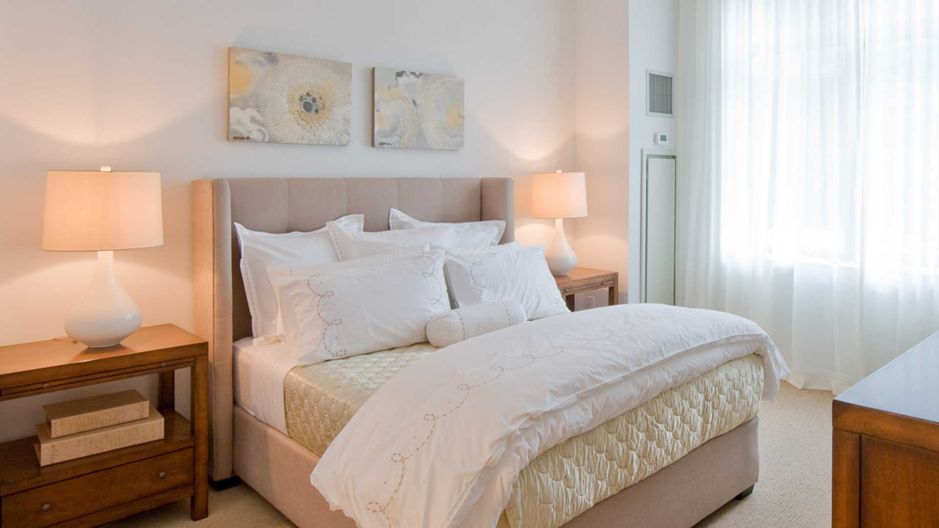 Third square apartments bedroom