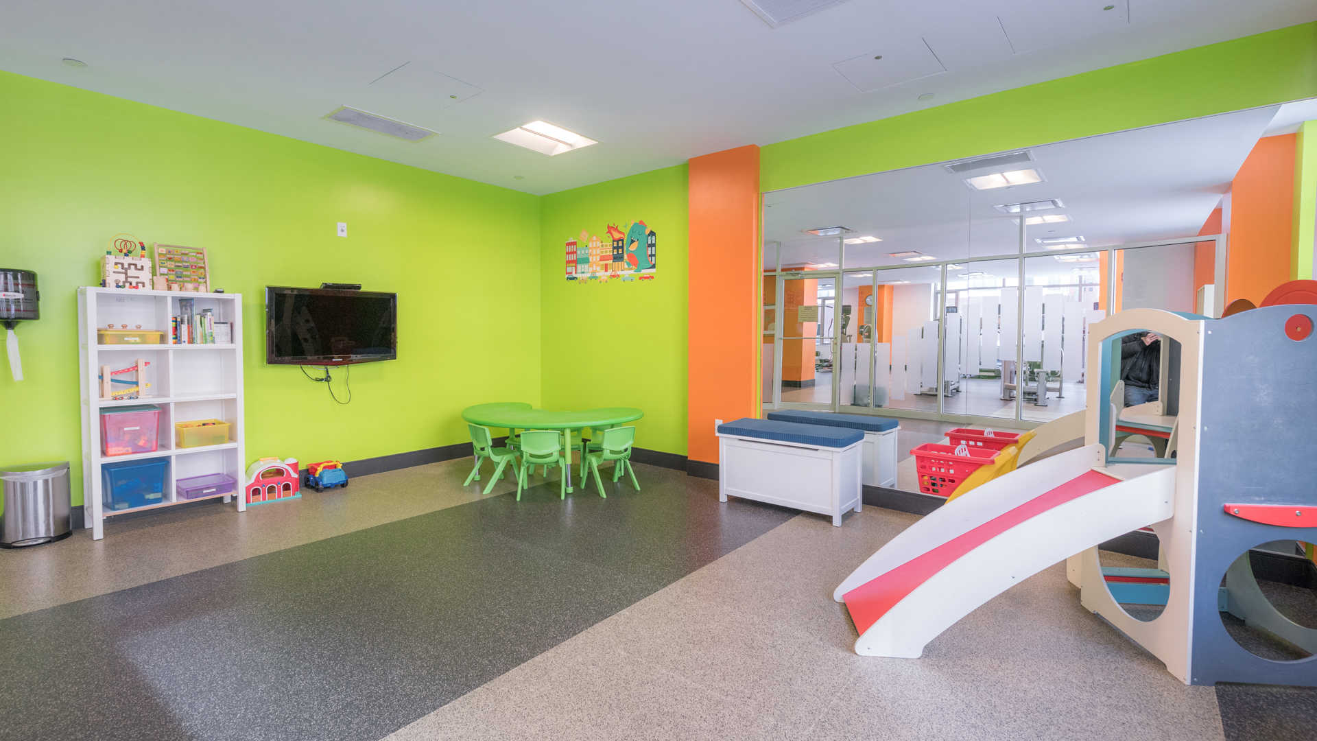 Third square apartments play area