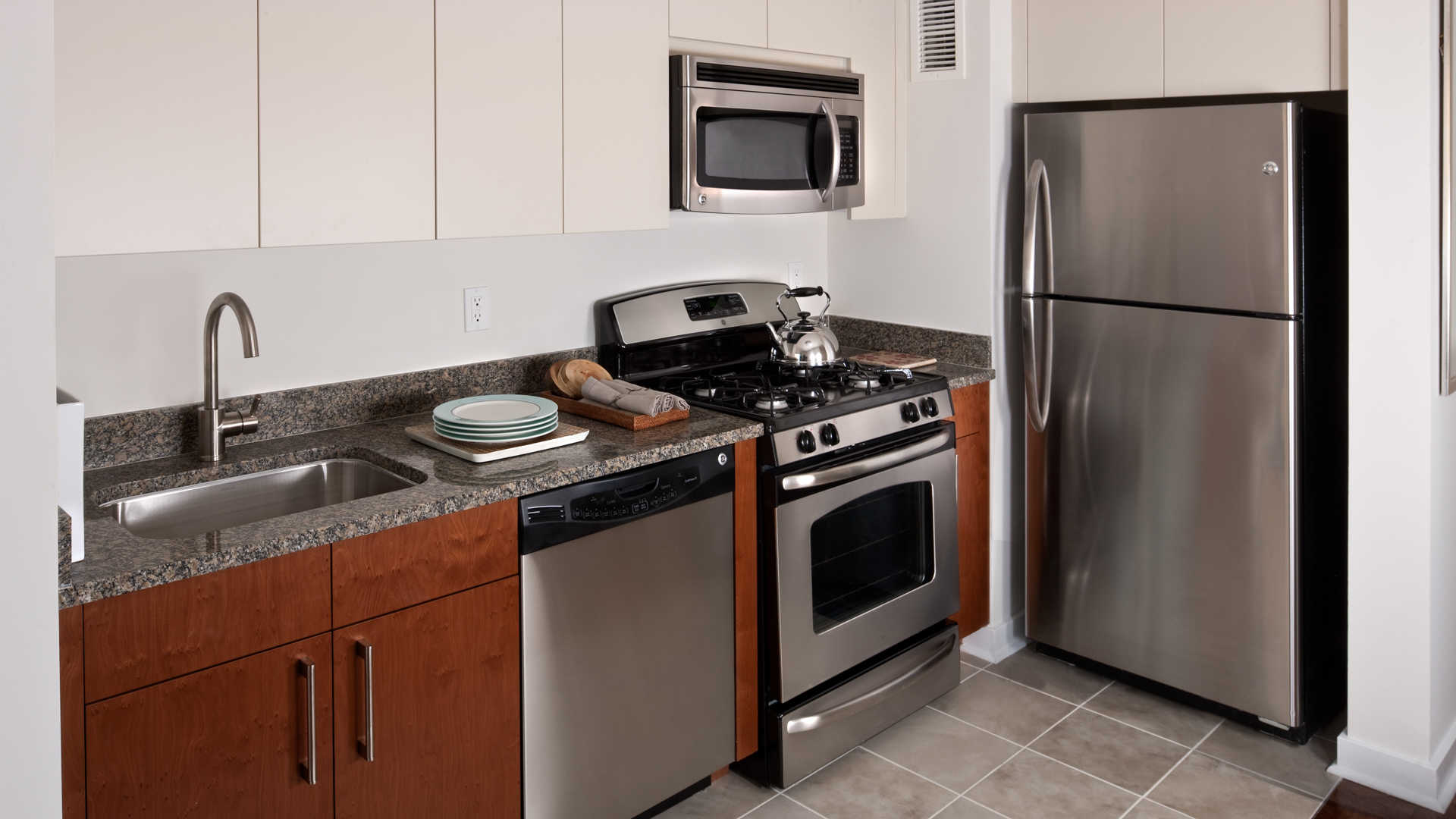 The brooklyner apartments kitchen