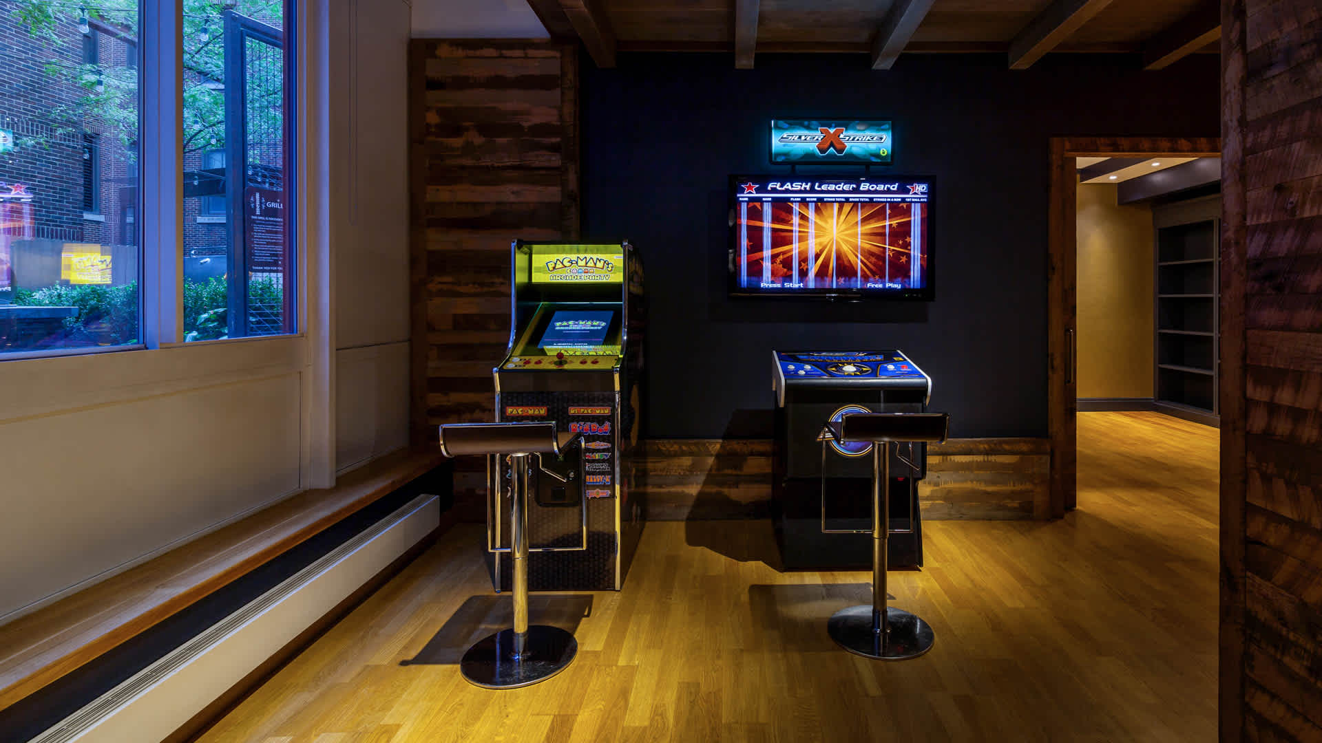The brooklyner apartments lounge and game room