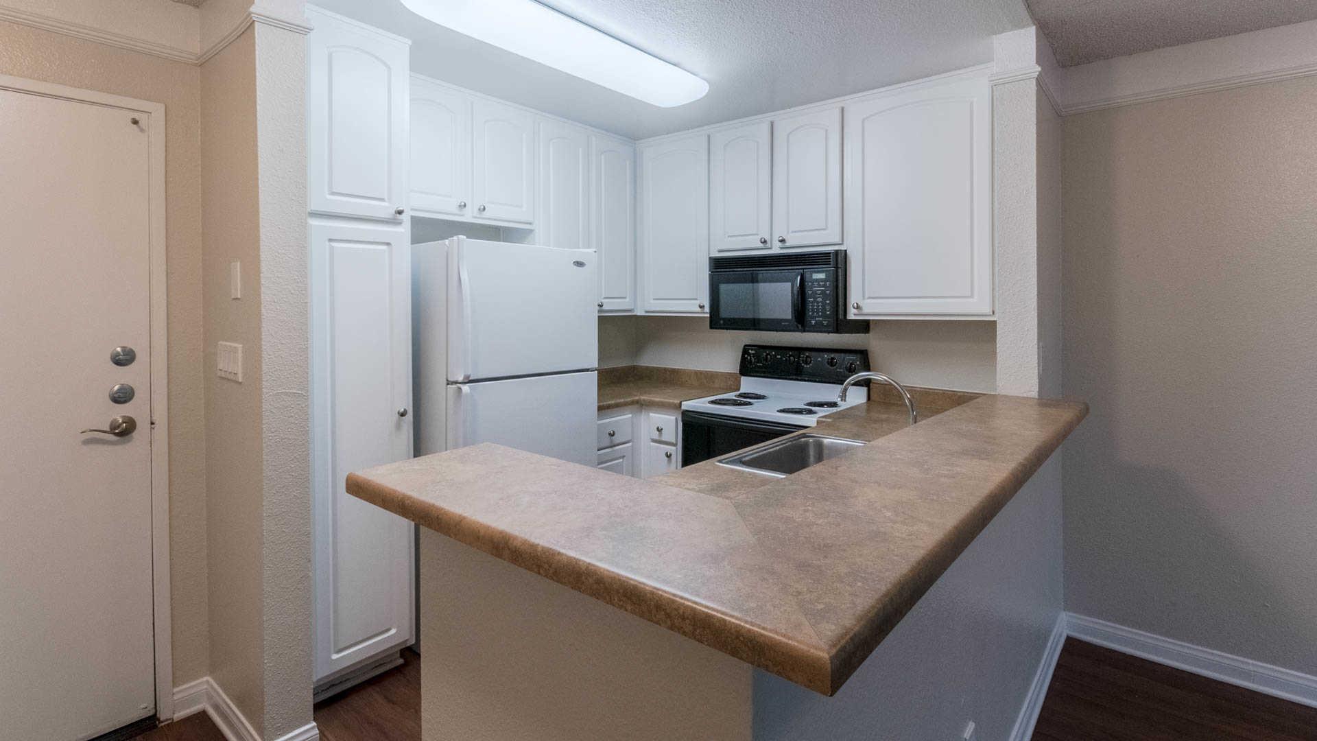 The Encore Apartments - Sherman Oaks - 4920 Van Nuys Blvd ...