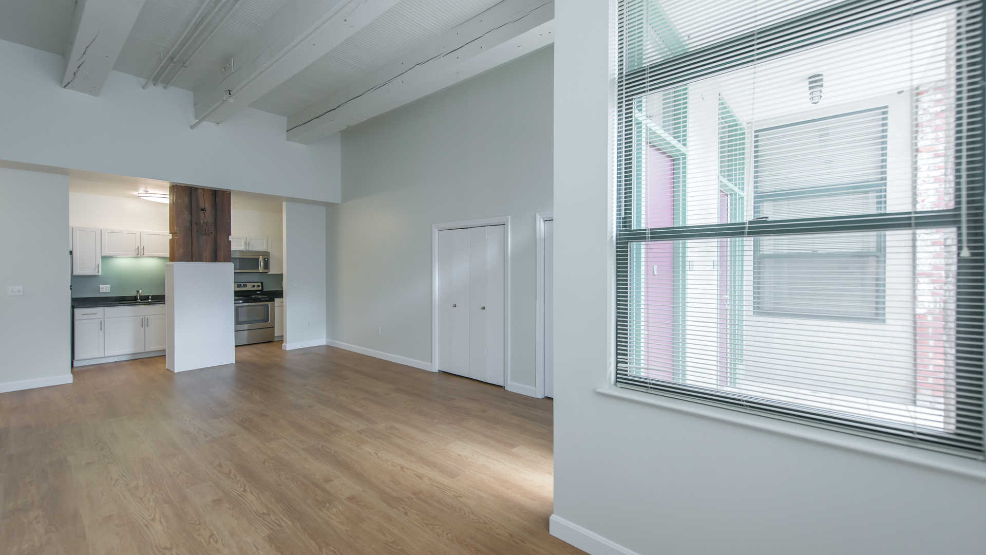 Lofts at kendall square apartments living area