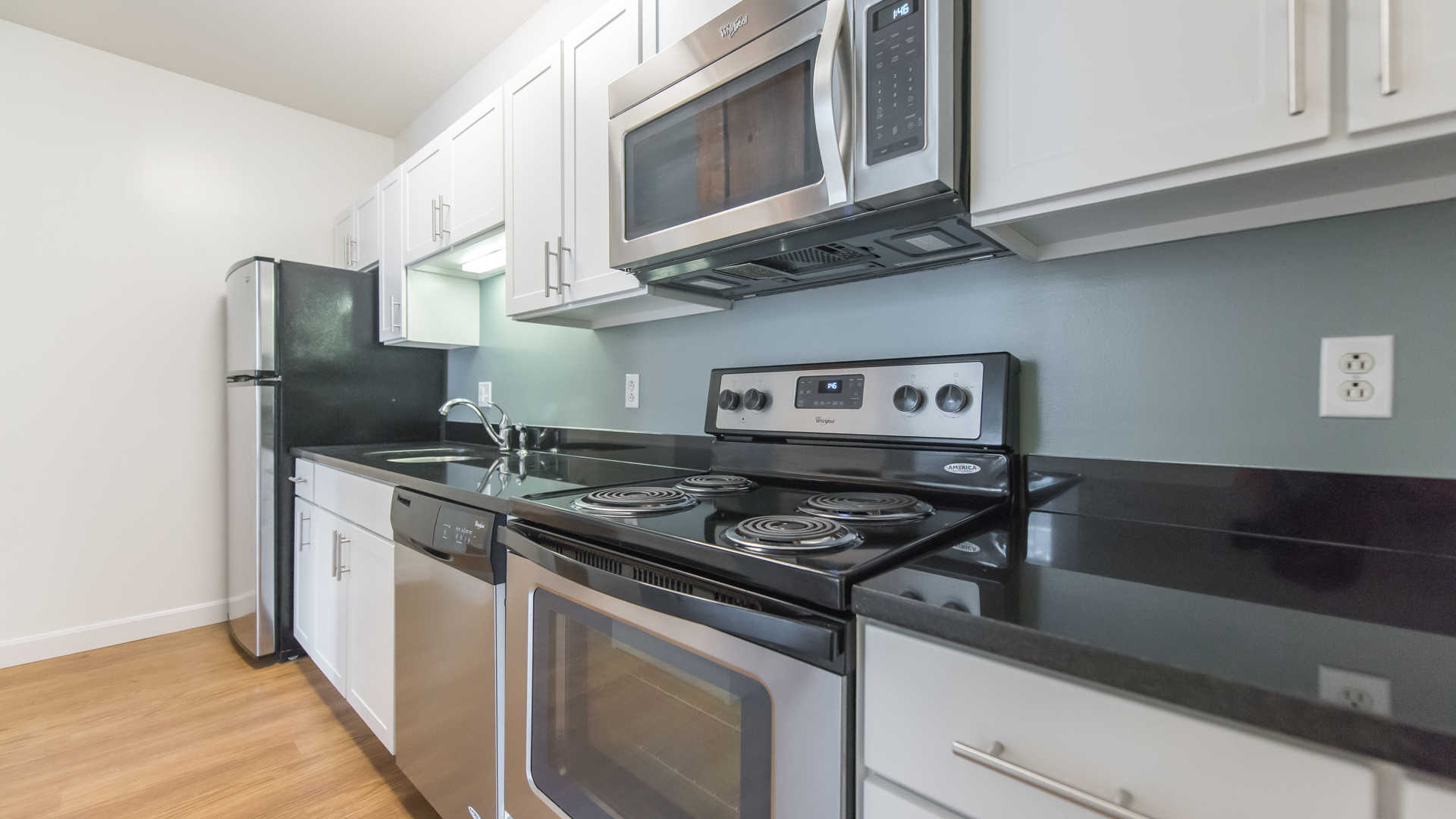 Lofts at kendall square apartments kitchen