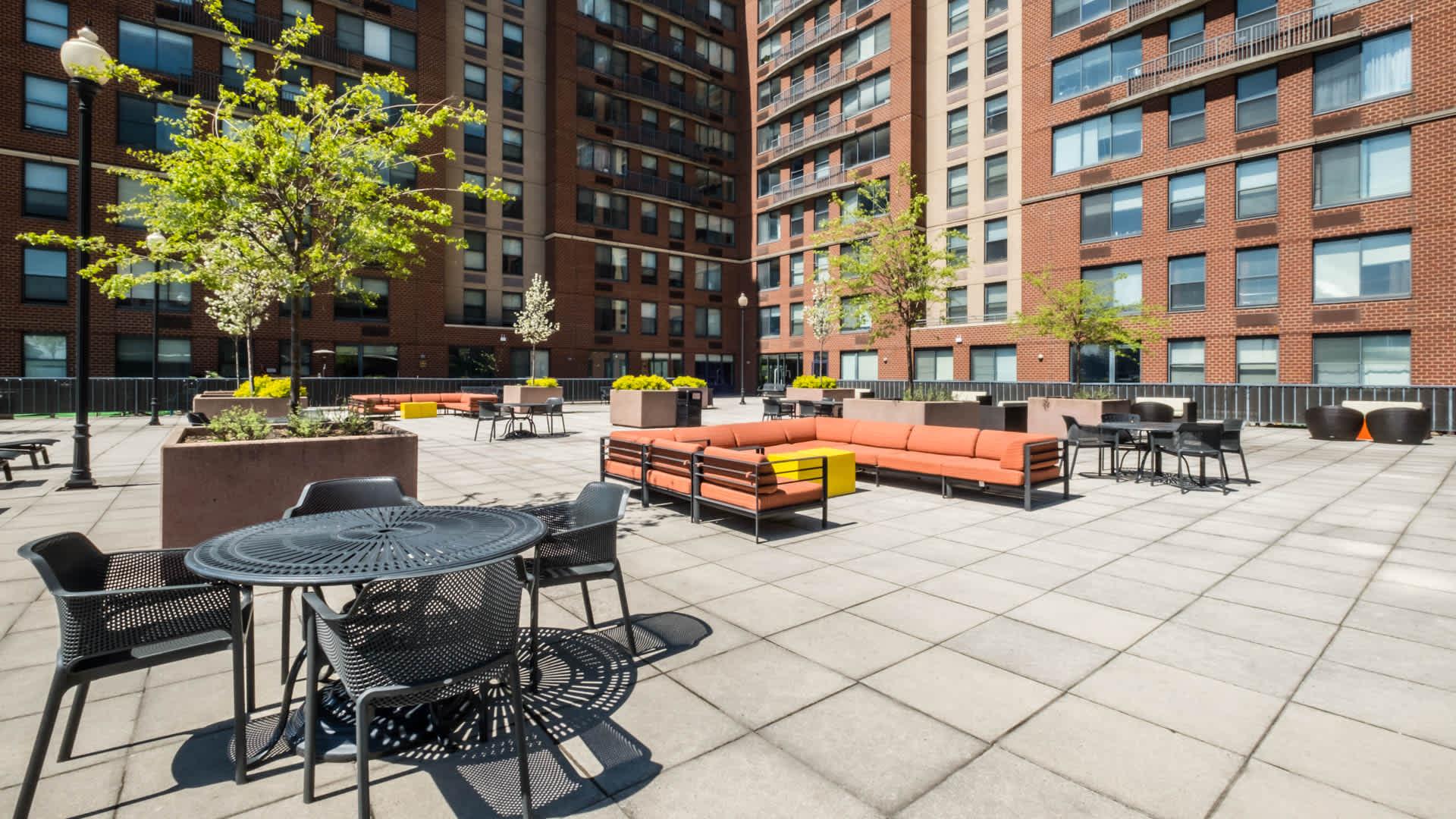 77 Park Avenue Apartments