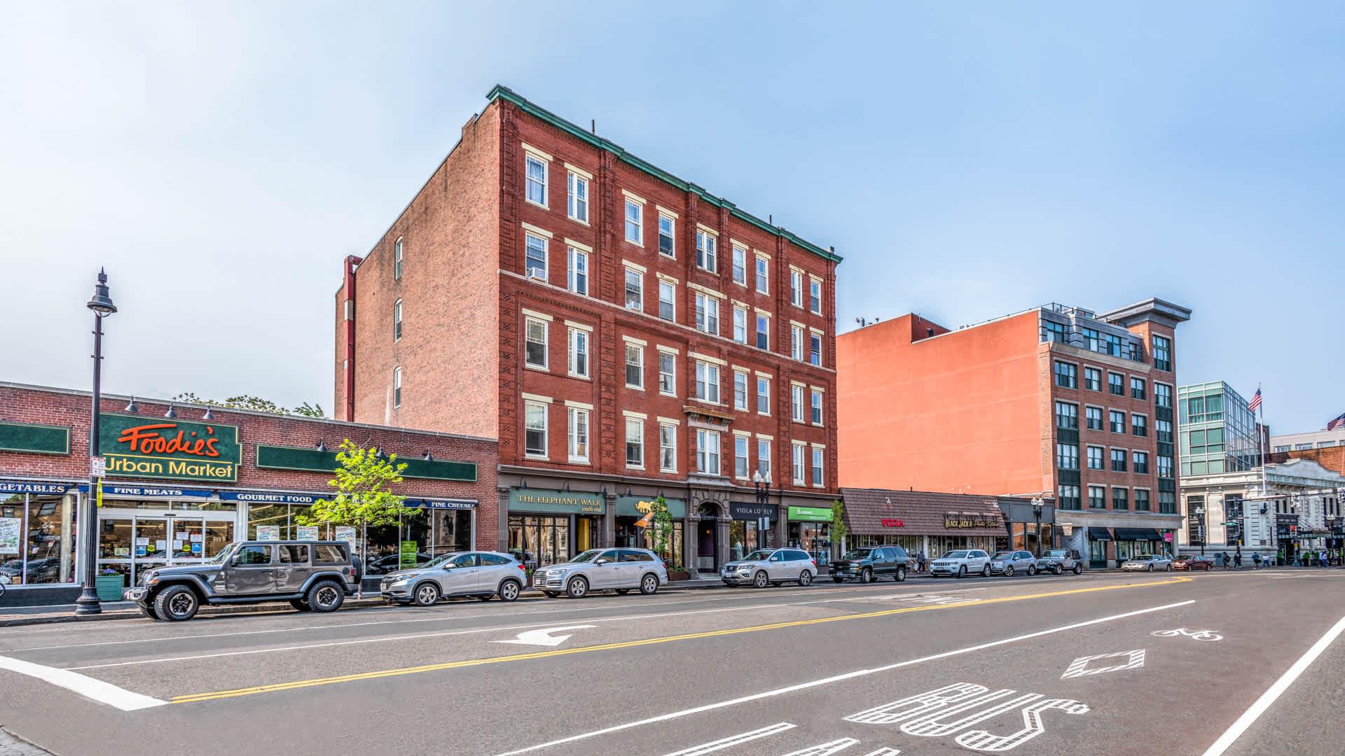 Girard apartments neighborhood