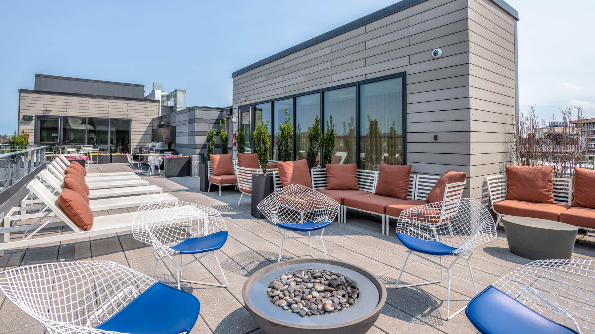Girard apartments rooftop lounge and firepit