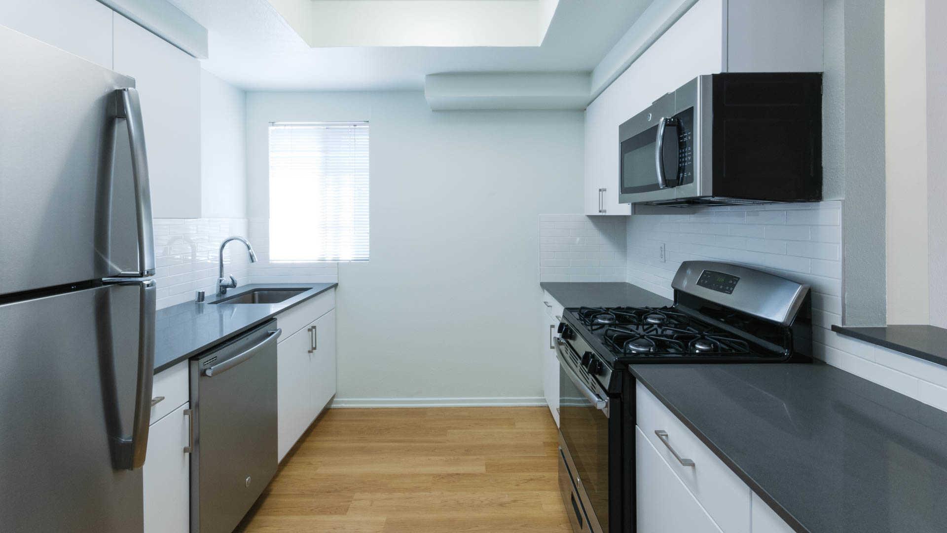 Northglen Apartments - Valencia - 23516 W. Magic Mountain Pkwy ...