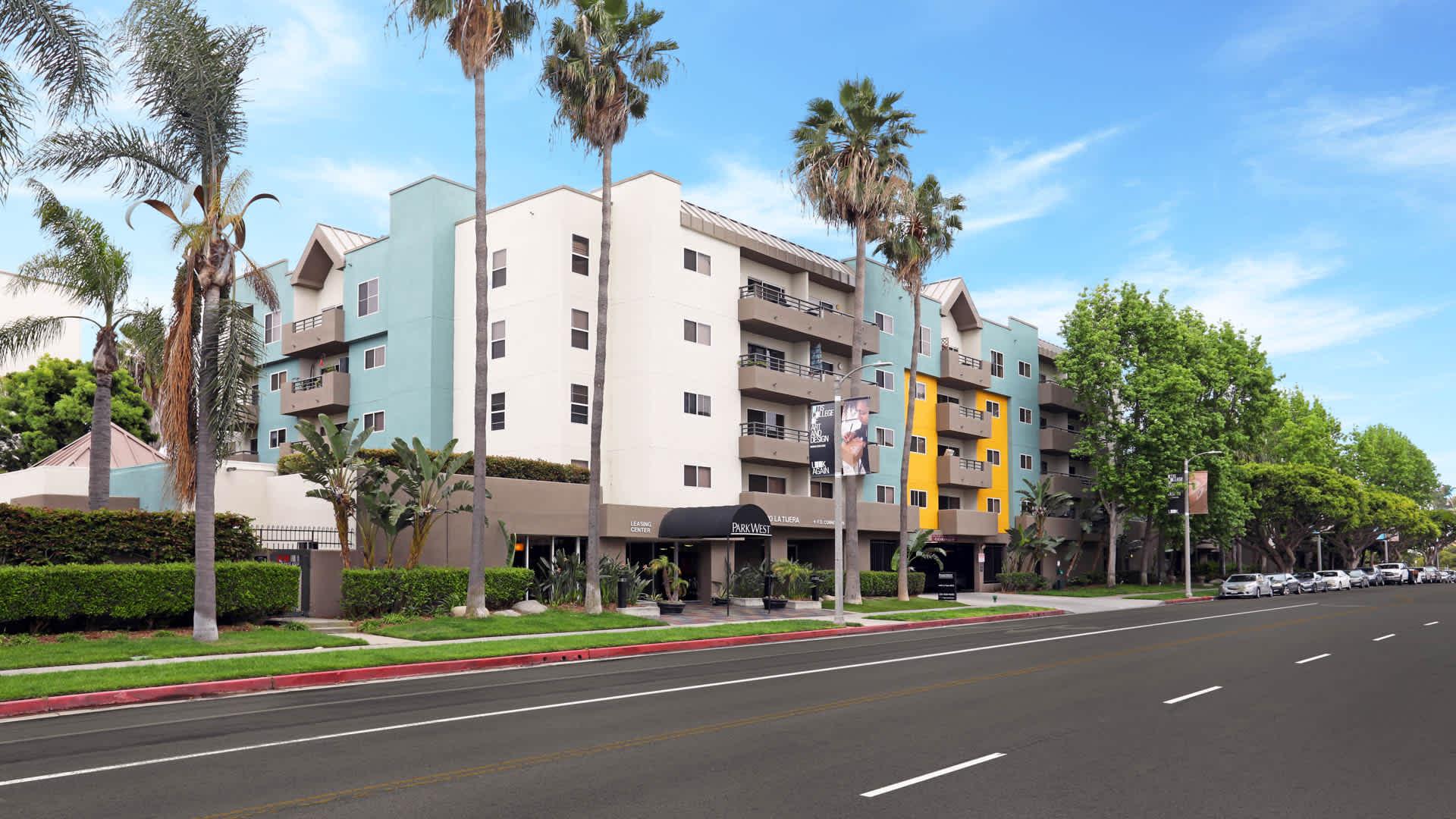 Park West Apartments Westchester Los Angeles 9400 La Tijera Blvd Equityapartments